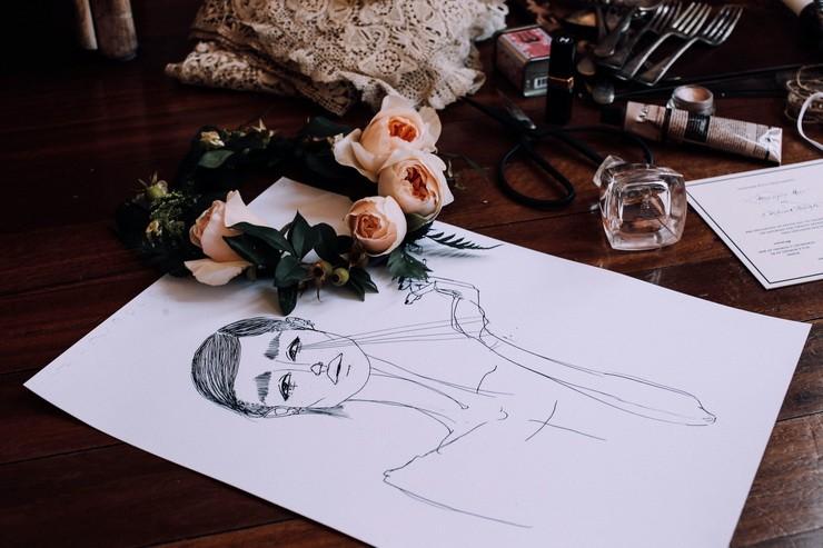 Рисунок с цветами на столе