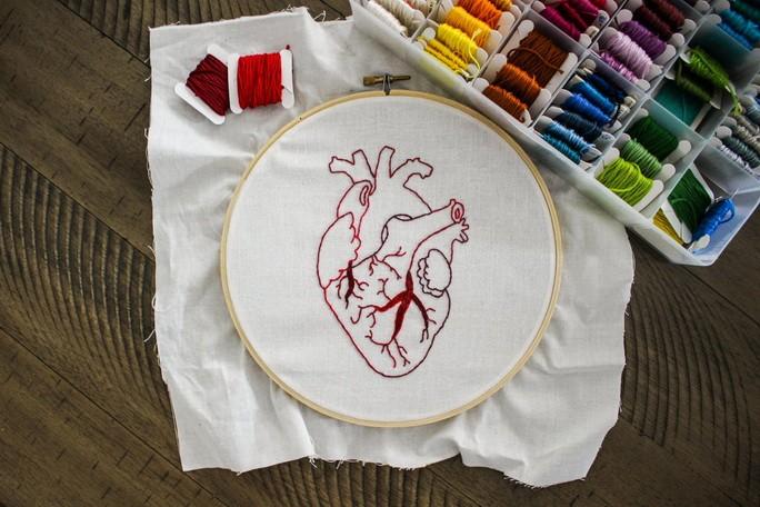 Ручная вышивка - сердце