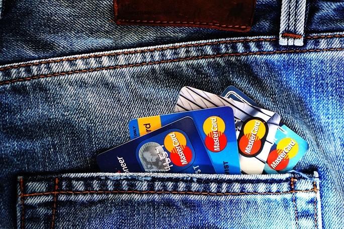 Карточки в кармане